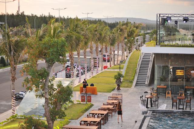 Bar Sands bay tọa lạc tại mặt tiền đường Độc lập, Tuy hòa