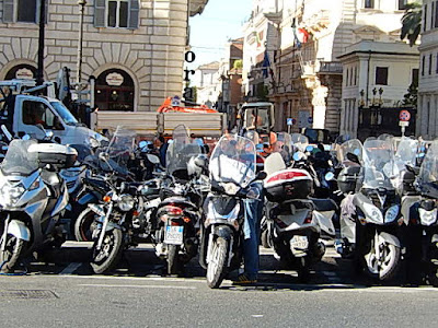http://1.bp.blogspot.com/-0u6r4SzNpb0/VhUnNmSuoKI/AAAAAAACJtE/pcHNMjMZh2I/s1600/Verkehr%2Broller%2B32.JPG