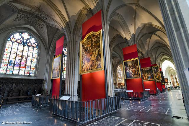 Retablos en la Catedral de Nuestra Señora - Amberes, por El Guisante Verde Project