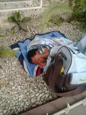 Image result for Dejan recién nacido abandonado en avenida de Santiago