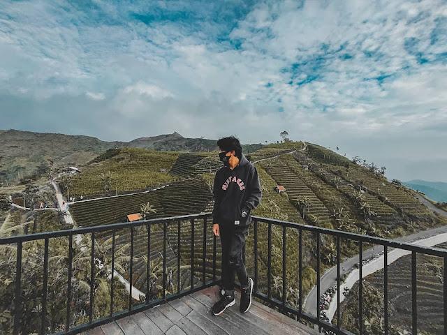 Obyek Wisata Bukit Candi Lawang Saketeng Majalengka