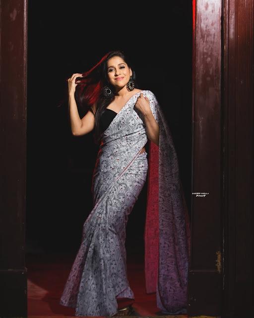 Actress Rashmi Gautam Recent Saree Photoshoot Stills Navel Queens