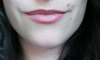 tag Catastrophes make-up contour des lèvres