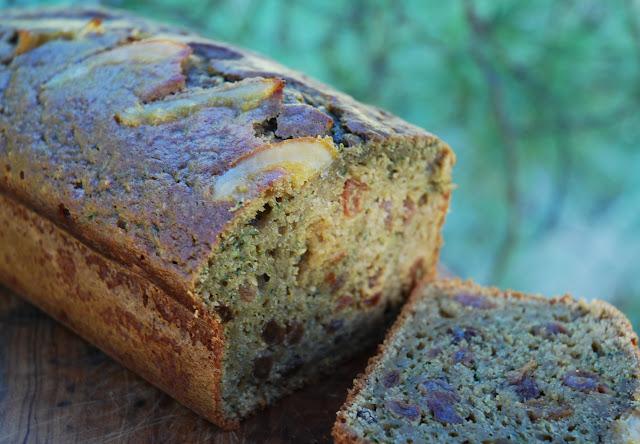 Cake raisins secs-orange-courgette