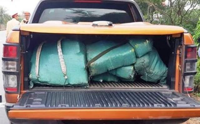 Số ma túy đá bỏ lại trên chiếc xe bán tải nặng 310kg