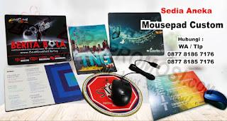 Mouse Pad merupakan salah satu rekomendasi souvenir kantor yang cocok untuk diberikan kepada karyawan.