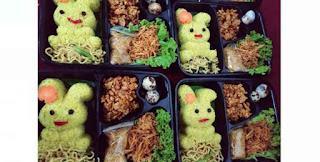 Menerima Pesanan Makanan Anak-anak