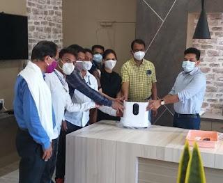 मप्र पटवारी संघ बालाघाट तहसील के कर्मचारियों ने दो आक्सीजन कंसंट्रेटर मशीन दी दान