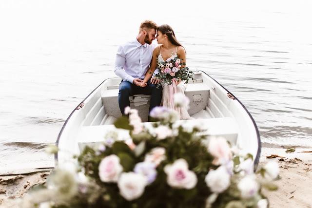 Love boat: stylizowana sesja zdjęciowa na Paprocanach