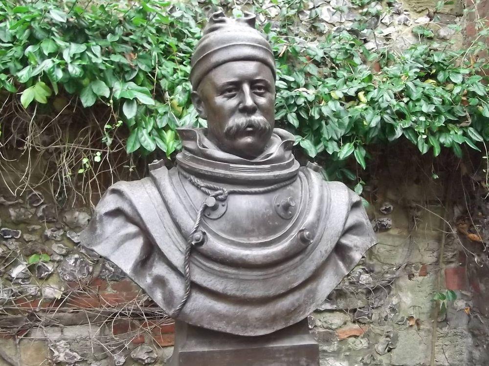 A bust of William Walker