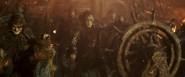 Armando Salazar (Javier Bardem) dans Pirates des Caraïbes : La vengeance de Salazar, réalisé par Joachim Rønning et Espen Sandberg (2017)