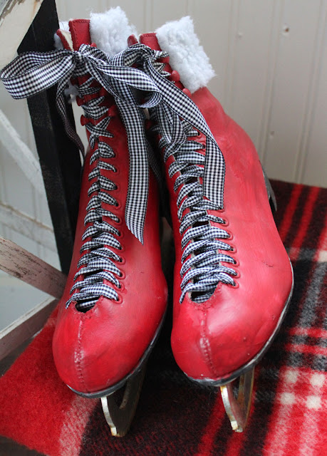 Ice Skates Makeover- Itsy Bits And Pieces