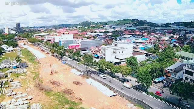 Foto Udara Pembangunan Jembatan Kembar Sungai Mahakam di Kota Samarinda