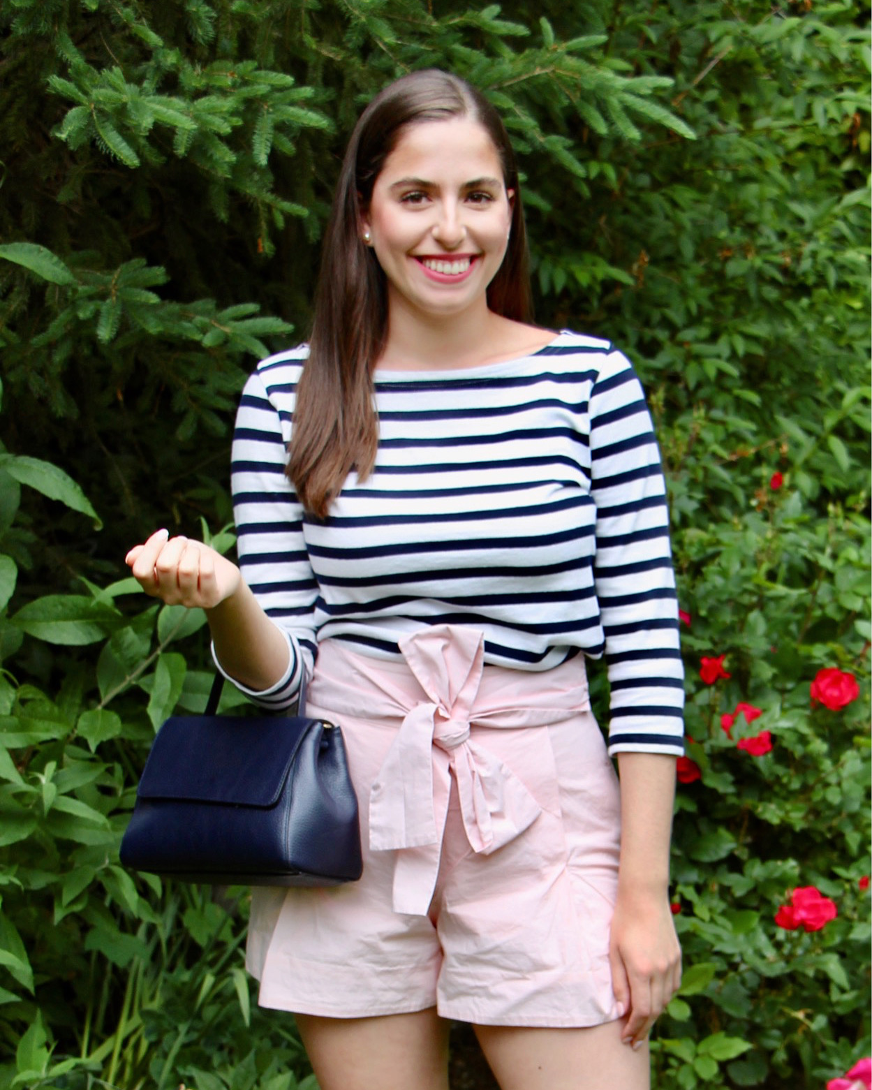 how to wear stripes, pink shorts, how to wear pink shorts, jcrew, pink shorts, sailor stripes, boat neck shirt, bow shorts, preppy summer outfit