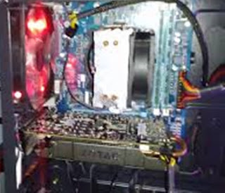 Korsleting listrik di dalam komputer sering disebabkan oleh sekrup Cara Mengatasi Komputer Mati Dan Hidup Lagi Restrart Sendiri