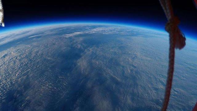 Foto da curvatura da Terra tirada pelos estudantes