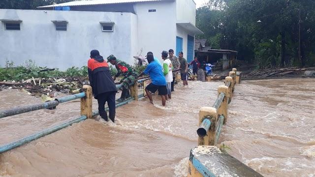 Intensitas Curah Hujan Tinggi, Plt. Bupati Kudus Perintahkan Pemeliharaan Tanggul