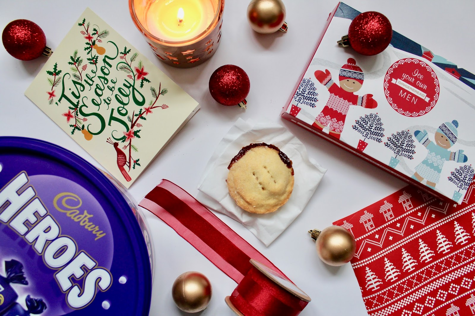 christmas festive spirit cards baubles candles 10 ways wrapping paper chocolate baking mince pies kirstie pickering blogger blog lifestyle life