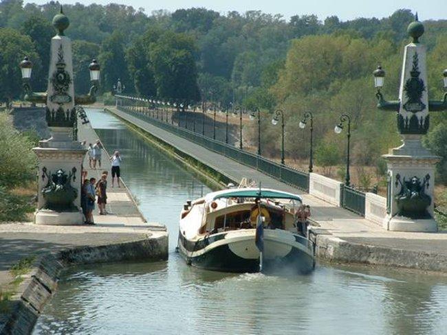 Cầu nước Briare - Pháp