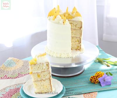 Torta de piña y chantilly