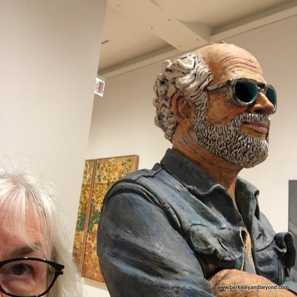 "blogger Carole Terwilliger Meyers in selfie with Robert Arneson's ""Calfornia Artist"" (1982) at the SFMOMA"