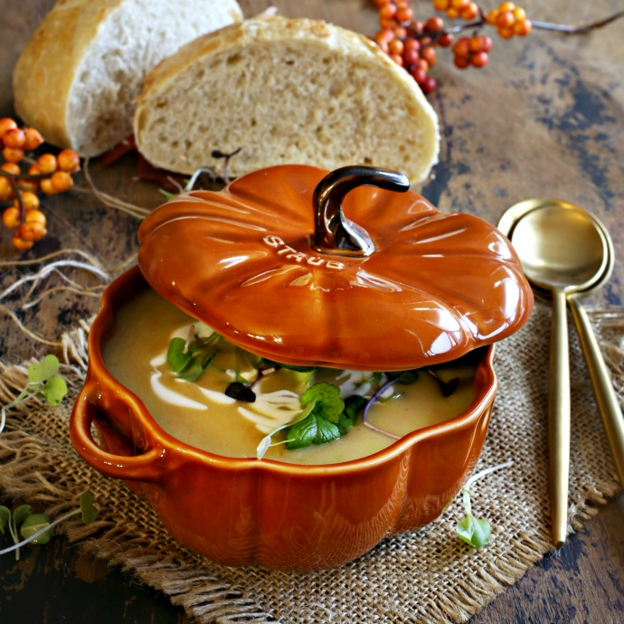 Recipe for a butternut squash soup, flavored with Greek yogurt and smoky cumin.