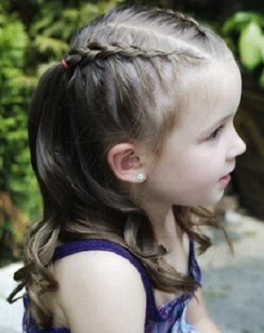Peinados con trenzas y cabello suelto para niñas