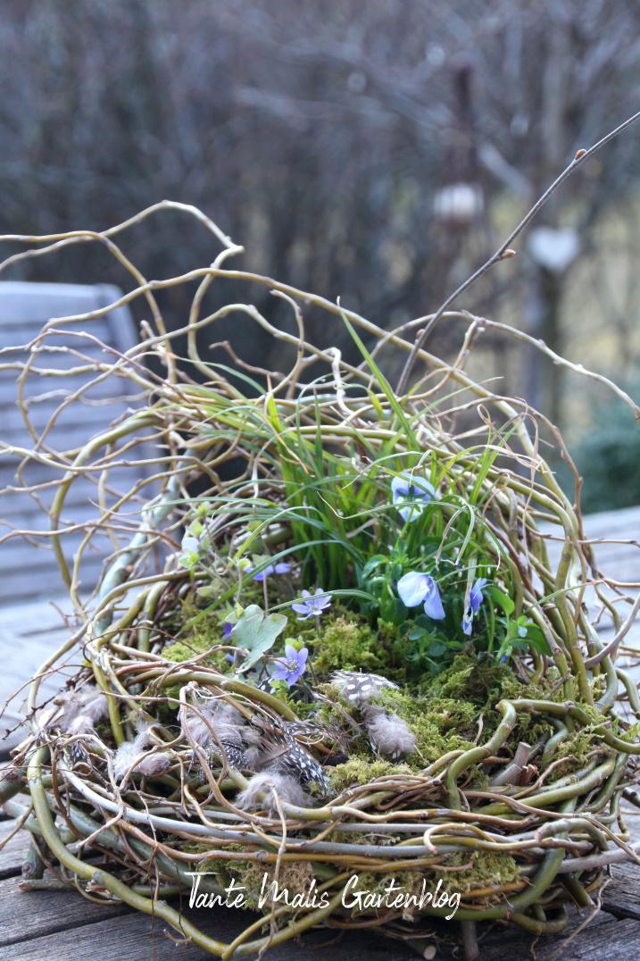 Natürliche Deko für den Garten Frühling