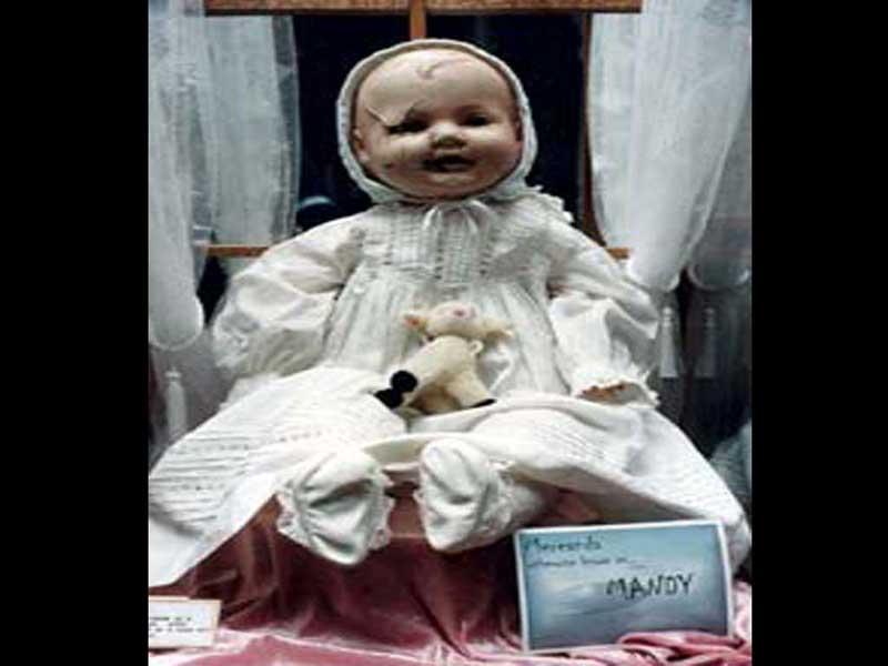 7 Boneka Misterius di Dunia