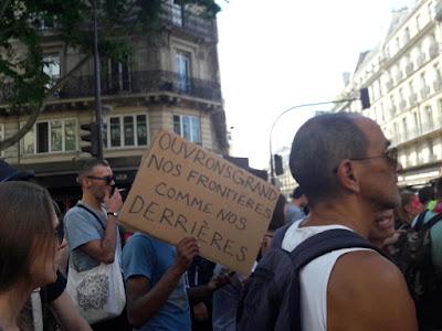 """Résultat de recherche d'images pour """"photos marche des fiertés 25 juin 2017"""""""