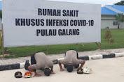 Kepala RSKI Covid-19 Pulau Galang Pulangkan 2 Personel Polda Kepri Yang Sembuh dari Covid-19