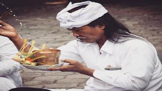 Cara Membuat Tirta Besrta Doa-doanya! Ini yang Belum Diketahui Banyak Orang Hindu