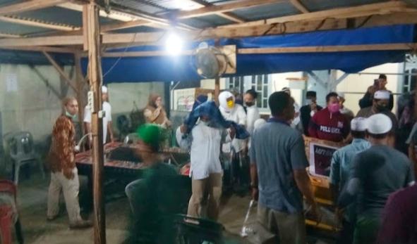 Massa amarah! Tujuh unit mesin judi tembak ikan dimusnahkan, Pengelola ancam pake parang