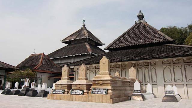 Makam Raden Patah