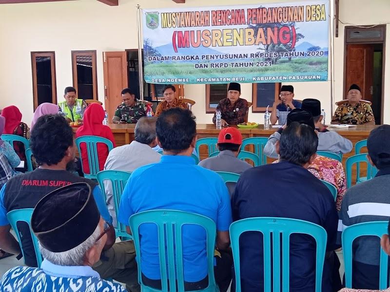 Babinsa Koramil 11/Beji Hadiri Musrenbangdes Desa Ngembe