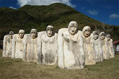 Mémorial Anse Cafard en Martinique - Statue face à la mer