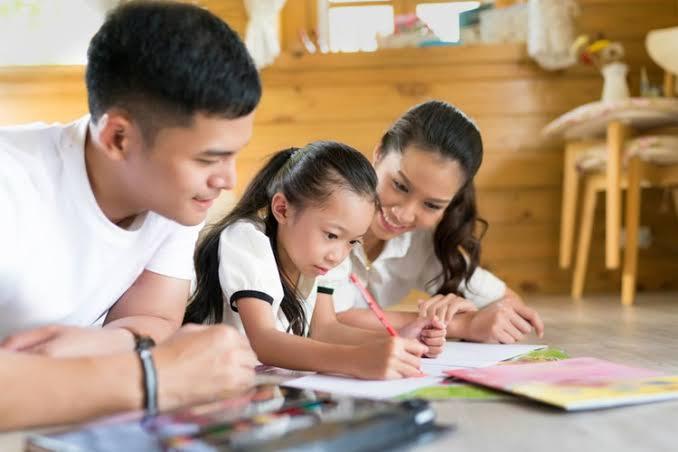 Peran Orang Tua di Rumah Untuk Meningkatkan Prestasi Anak