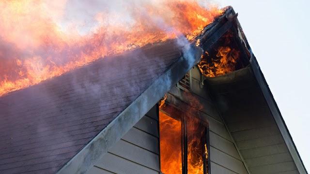 Hatan haltak meg a hosszú hétvégén szén-monoxid-mérgezésben és lakástűzben