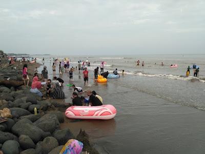 Pengunjung Pilih Pantaisari, Pendapatan Objek Wisata Pantai Pasir Kencana Turun