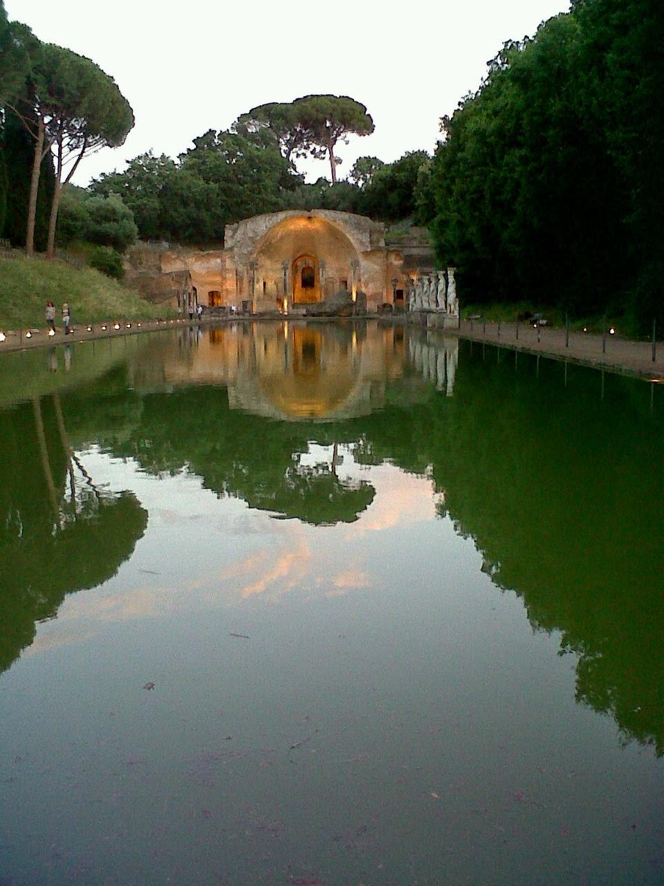 Canopo,  Villa Adriana, Foto de Giulia Cantisani