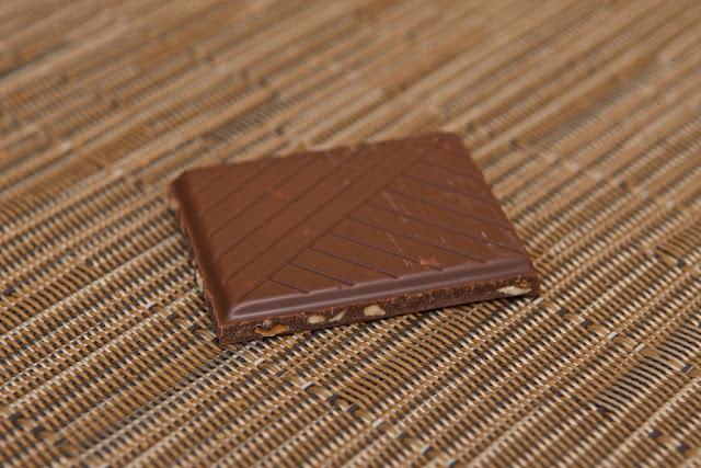 Carrefour Bio - Chocolat au lait noisettes - bio - Chocolate - dessert -Bio - AB - Hazelnut