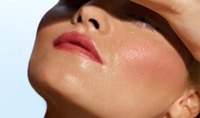 Merawat kulit sangat penting sekali supaya kulit kita selalu terlihat higienis Cara Ampuh Mengatasi Wajah Berminyak Secara Alami