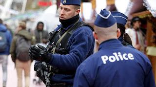 Belçika'da Brüksel banliyösünde Carrefour mağazasında 15 kişi rehin | Belçika'da soygun girişimi