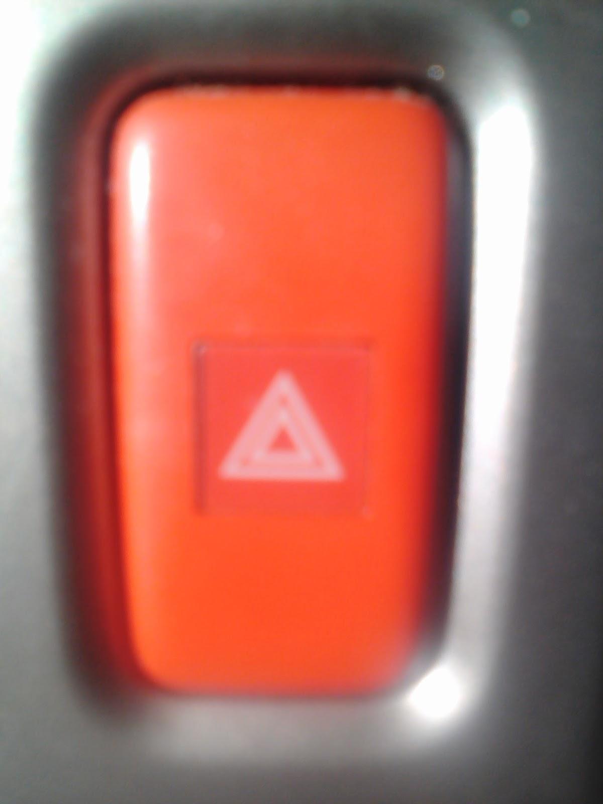 Informasi Campur Mengenal Lampu Darurat Mobil Segi Tiga Pengaman Hazard Lamp Atau Biasa Disebut Adalah Yang Hidup Bersamaan Ketika Tombol Bergambar Segitiga Merah Ditekan