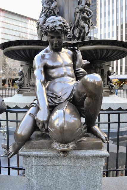 Фонтан Тайлера Девідсона чи Дух Води. Цинциннаті, Огайо (Tyler Davidson Fountain or The Genius of Water. Cincinnati, OH)
