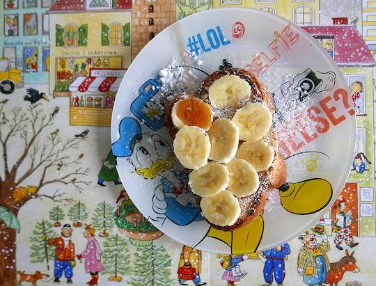Grzanki z chałki z bananem