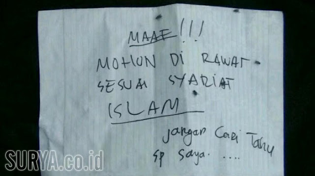 Sepucuk surat pesan dari sosok misterius agar memperlakukan jasad wanita bercadar memakai syariat islam. (surabaya.tribunnews.com/mohammad romadoni)
