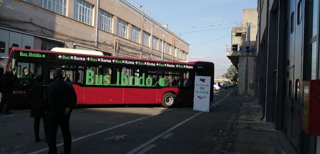 Bus ibridi, la presentazione del prototipo