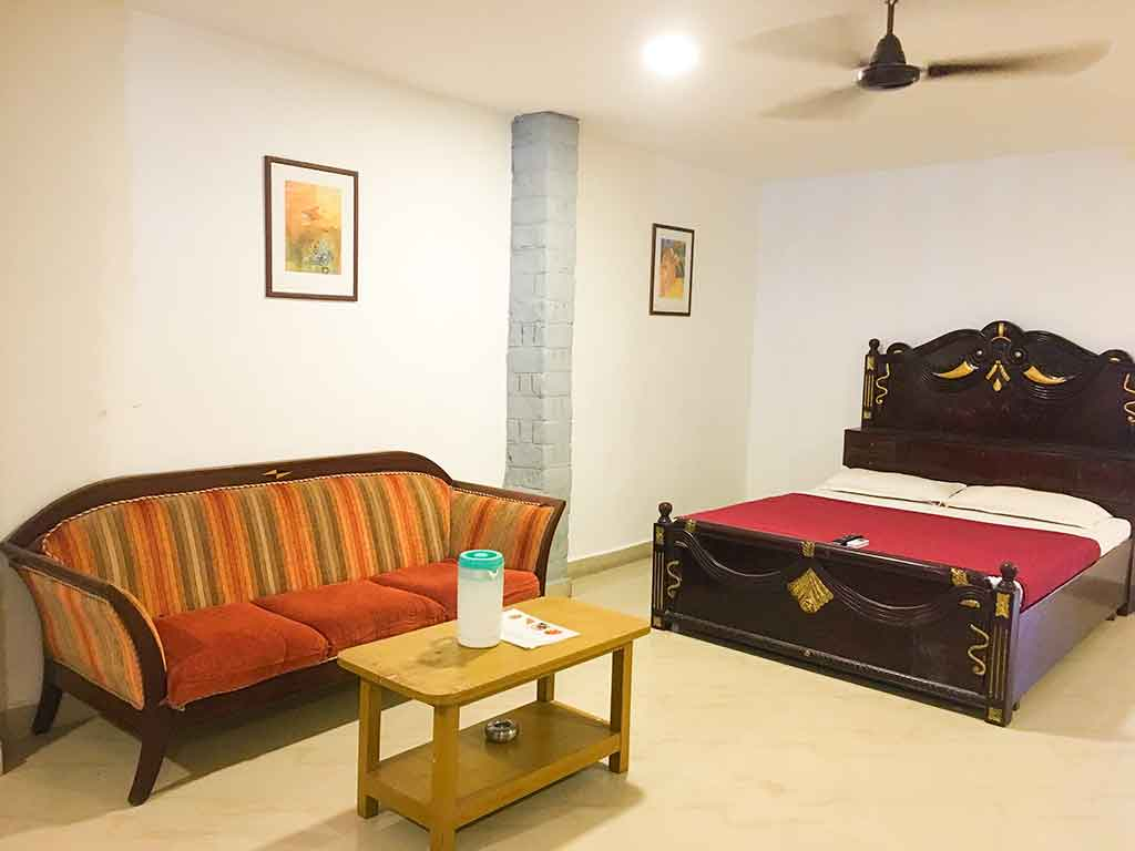 cheap resorts in ecr with swimming pool