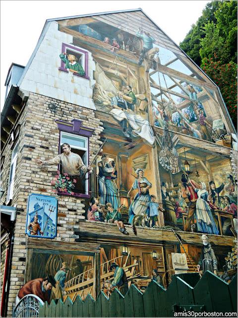 Fresque du Petit-Champlain en el Viejo Quebec, Canadá